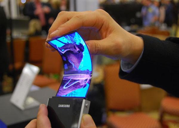 samsung_flexible_oled_screen_phone