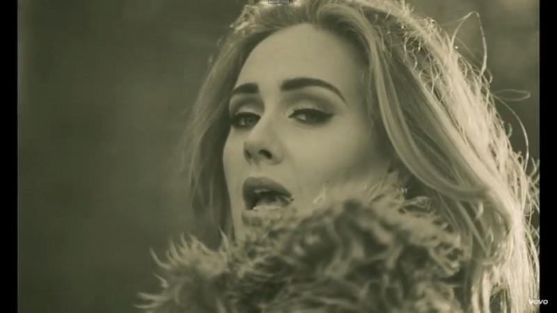 Adele_hello_field